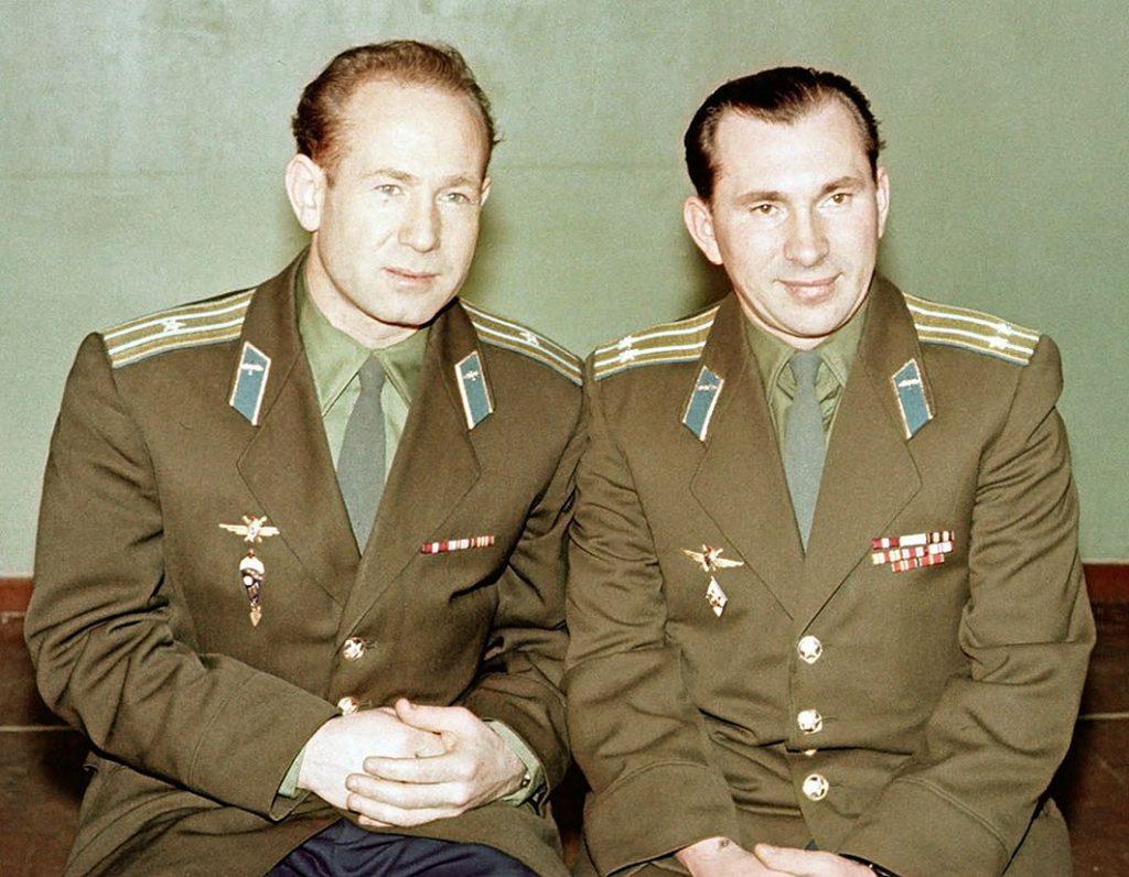 Załoga Woschoda 2: Aleksiej Leonow i Pawieł Bielajew Credits: Spacefacts