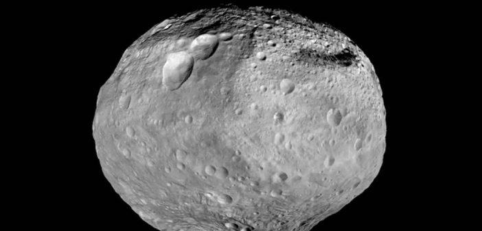 Asteroida Westa na podstawie obrazów z sondy Dawn / Credits - NASA