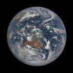 Jeden z pierwszych obrazów DSCOVR po wyjściu z safe mode (29 lutego 2020) / Credits - NASA , NOAA