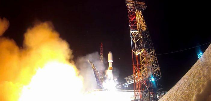 Start rakiety Sojuz-2.1b z satelitą Kosmos 2546 - 16.03.2020 / Credits - Roskosmos