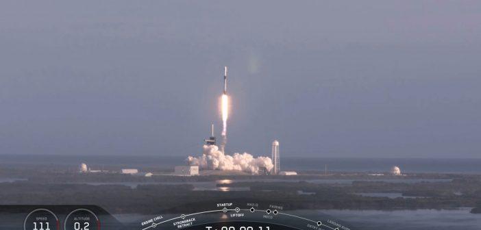 Start rakiety Falcon 9 z szóstą paczką satelitów Starlink / Credits - SpaceX