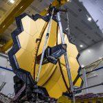 Rozłożone główne lustro JWST / Credits - Northrop Grumman Space Systems