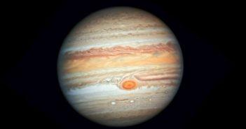 Jowisz okiem HST - czerwiec 2019 / Credits - NASA, ESA, Hubble