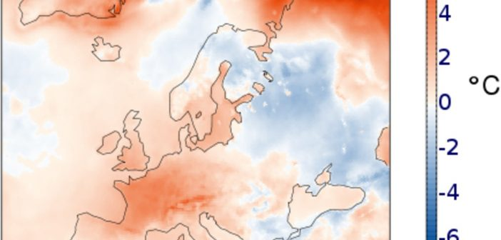 Warunki pogodowe w Europie w kwietniu 2020 (anomalia tempetatury powierzchni w stosunku do lat 1981 - 2018) / Credits - Copernicus Climate Change Service/ECMWF.