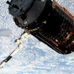 HTV-9 przechwycony przez SSRMS / Credits - NASA TV