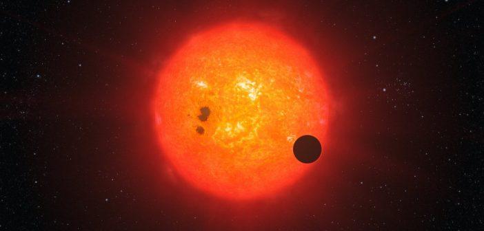 Wizja artystyczna egzoplanety krążącej blisko swej gwiazdy / Credits - ESO/L. Calçada