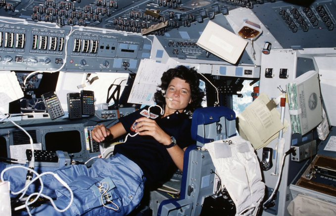 Sally Ride podczas misji STS-7 / Credits - NASA