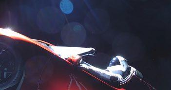Tesla Roadster i Starman kilka godzin po starcie Falcona Heavy / Credits - SpaceX