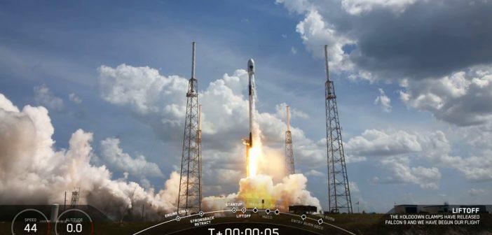 Start Falcona 9 z satelitą GPS F-03 / Credits - SpaceX