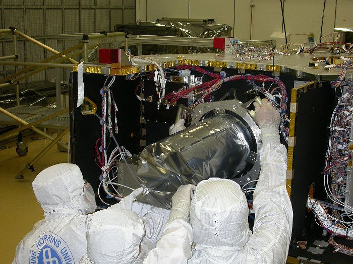Instrument LORRI instalowany na sondzie New Horizons / Credits - NASA