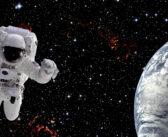 Spacer kosmiczny EVA-67