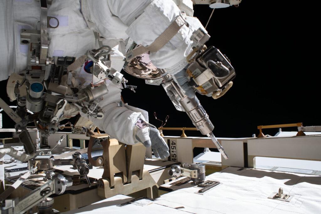Jedno z ujęć ze spaceru EVA-68 / Credits - NASA