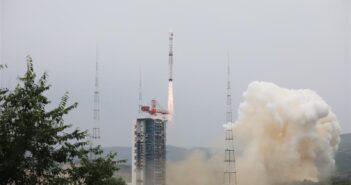 Rakieta Długi Marsz 4B w trakcie startu 25 lipca 2020 roku. Źródło: Zheng Taotao/Xinhua