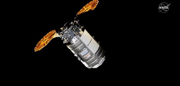 Cygnus NG-14 w pobliżu ISS / Credits - NASA TV