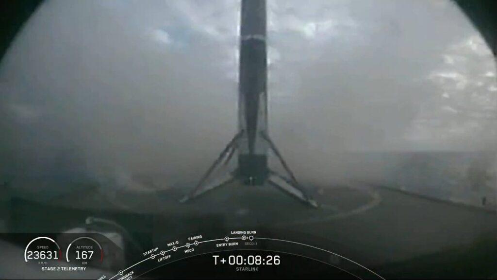 Tuż po udanym szóstym lądowaniu pierwszego stopnia Falcona 9  - 18.10.2020 / Credits - SpaceX