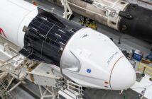 Zdjęcie z 9 listopada 2020 - kapsuła Dragon 2 zintegrowana z rakietą Falcon 9 / Credits - SpaceX