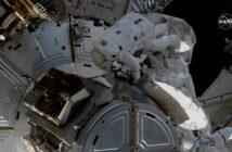 Początek spaceru EVA-71 / Credits - NASA TV