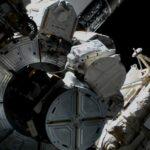 Początek spaceru EVA-73 / Credits - NASA TV