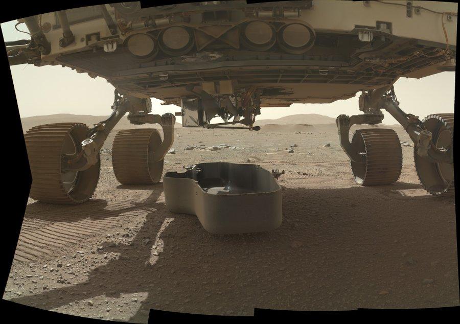 Odrzucenie osłony chroniącej dron Ingenuity / Credits - NASA/JPL-Caltech/MSSS
