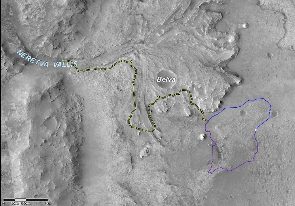Dwie możliwe trasy wstępnej eksploracji dna krateru Jezero (kolory niebieski i purpurowy). Kolor żółty przedstawia dalszą proponowaną trasę jazdy łazika / Credits - NASA/JPL-Caltech/University of Arizona