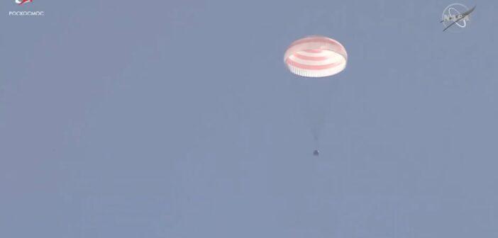 Powrót Sojuza MS-17 na Ziemię / Credits - NASA TV