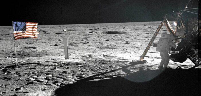 Tranquillity base / Credits - NASA