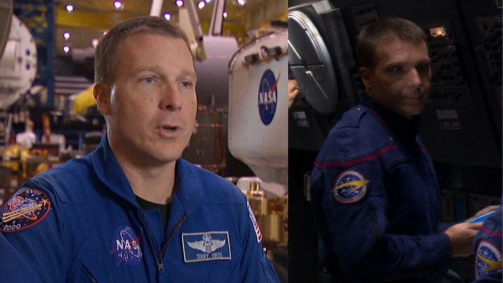 Po lewej astronauta Terry Virts w NASA, po lewej - na planie Star Trek: Enterprise. Oba uniformy są bardzo podobne (Źródło zdjęć: Memory Alpha).